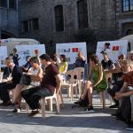 04 participants au debat citoyen sur la place de l eveche a tournai